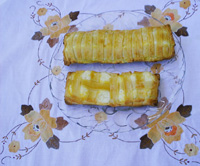 fiadone con ricotta with lattice topping